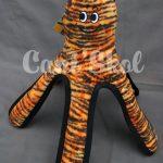MEGA OCTOPUS, hauteur 45cm, diamètre de la tête 35cm. 6 couineurs, flotte et lavable. Testé par des tigres aux U.S.A. Niveau 10. Prix 45.45€.