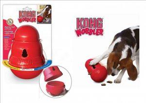 Jouet Kong Wobbler en plastique ultra-résistant pour chiens, pouvant être rempli de friandises pour une plus grande stimulation de l'animal - M : 15cm - 463g 14,90 € - L : 27cm - 900g 19,90 €